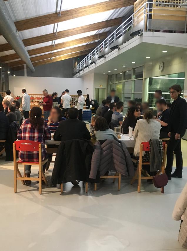 Repas participatif organisé par les élèves de 1MELECA et leurs professeurs le 12 février